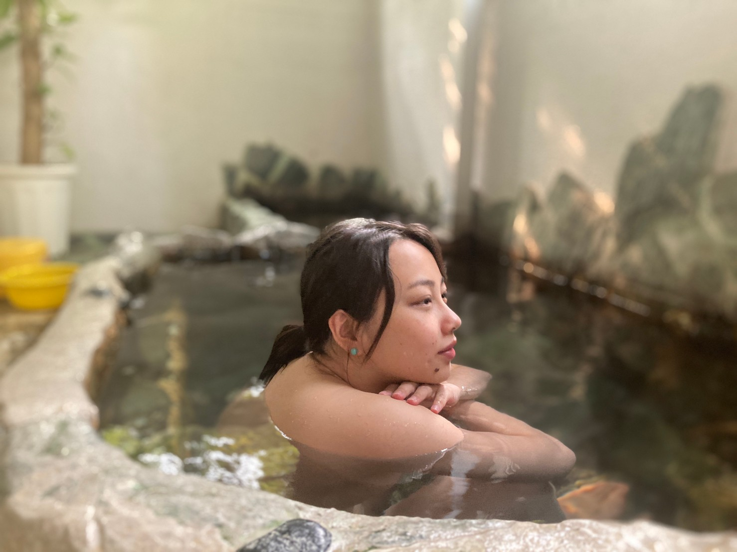 why japanese love onsen woman