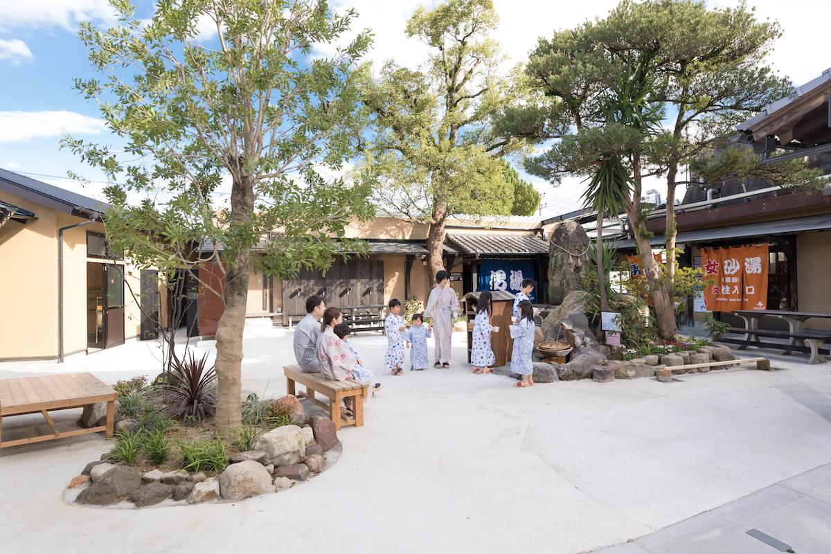 hyotan courtyard